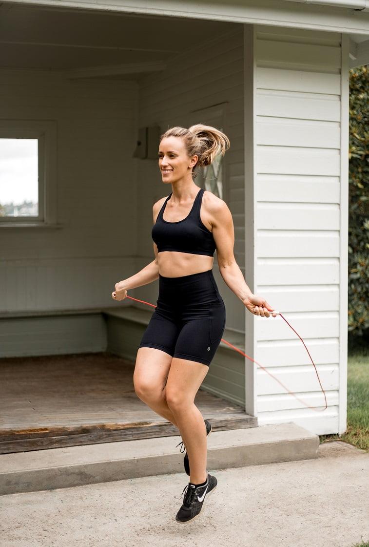 High waist black beauty pocket mid shorts skipping