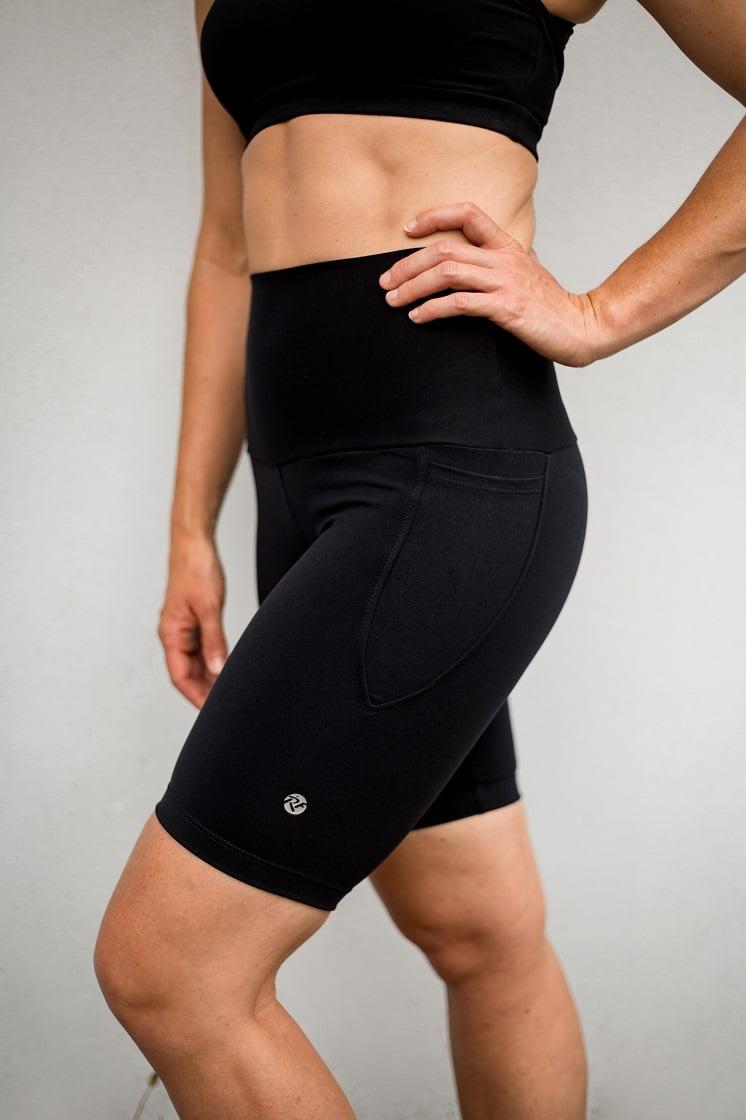 High waist black beauty long pocket shorts side