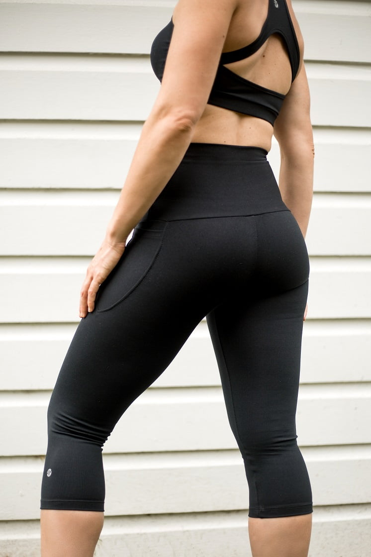 High waist black beauty 3/4 pocket tight back