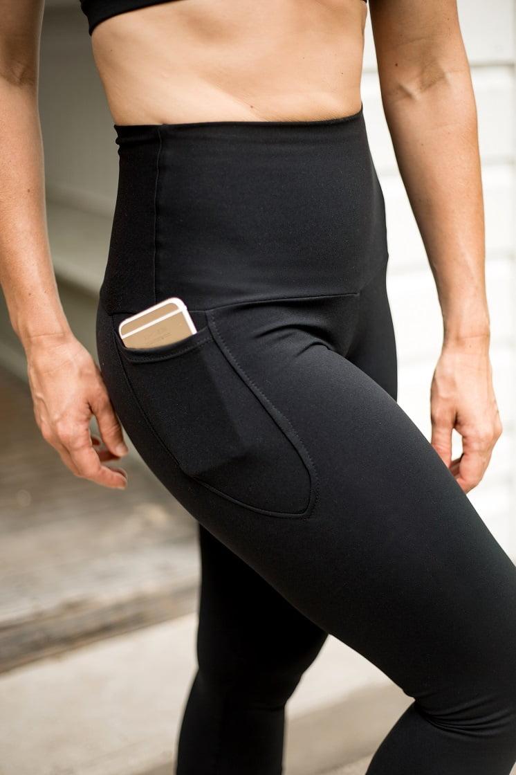 High waist black beauty 3/4 pocket tight close up