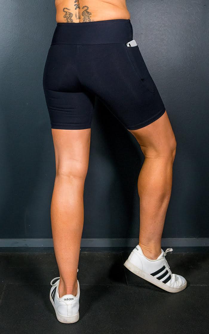 Mid waisted black mid pocket shorts
